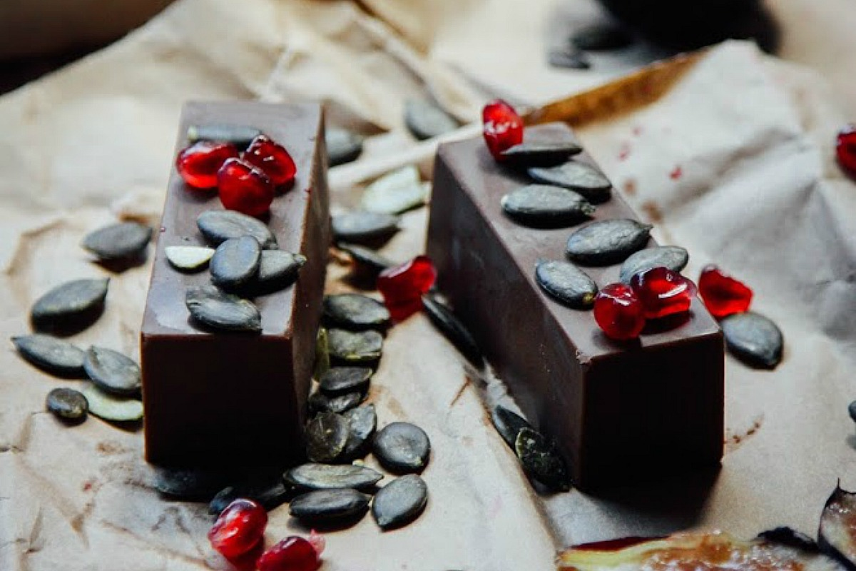 'Milk' Chocolate Bars [Vegan, Raw, Gluten-Free]
