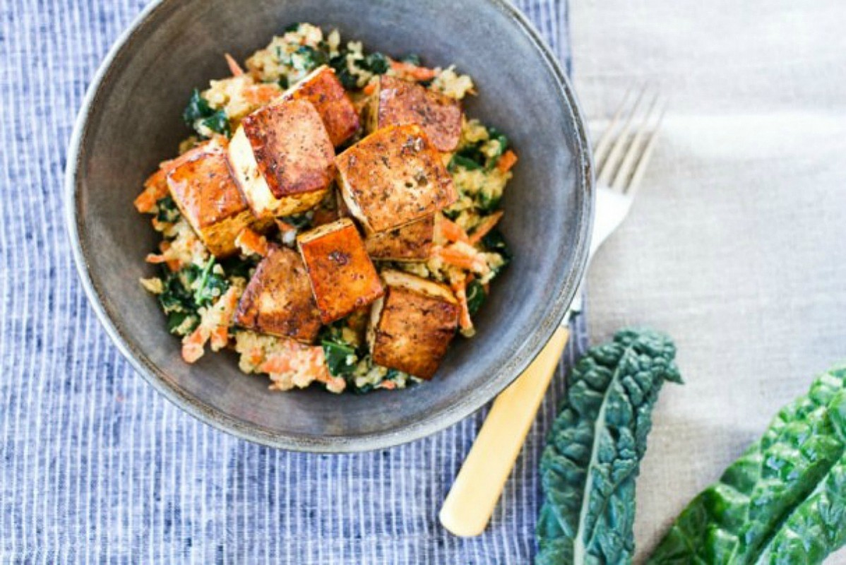 Balsamic-baked-tofu-with-kale-and-carrot-quinoa3-11-607x405-1198x800