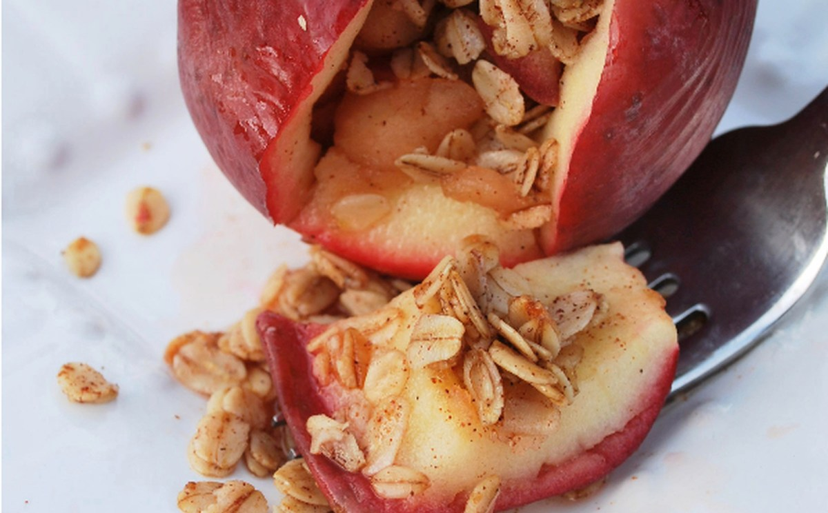Apple Pie Stuffed Apples [Vegan]