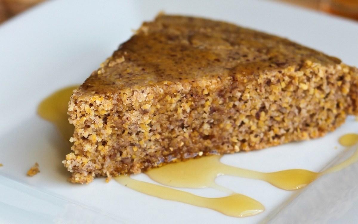 'Buttery' Skillet Cornbread [Vegan, Gluten-Free]