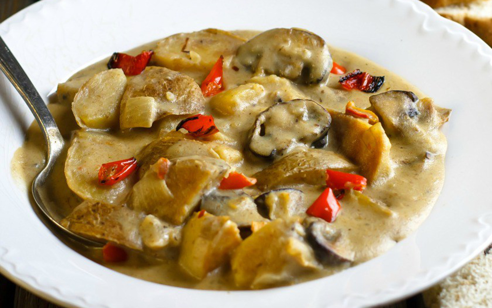 hearty potato and mushroom stew