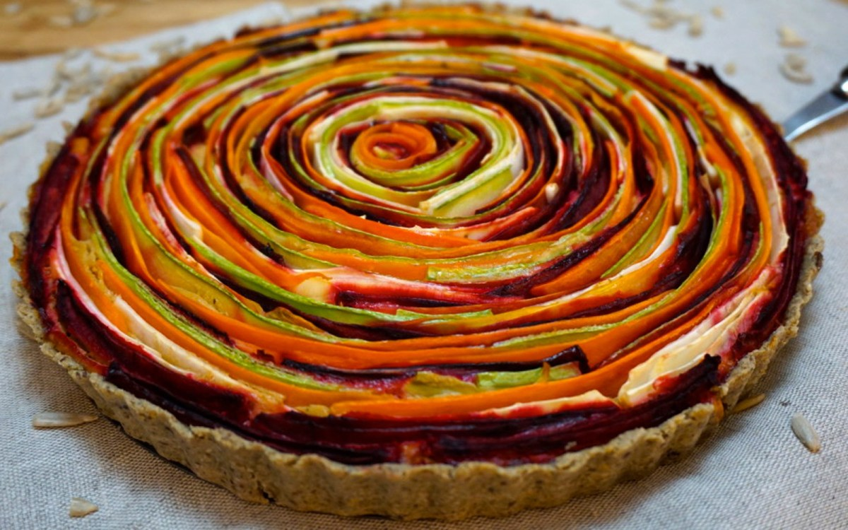 Vegetable Rose Tart With Cheesy Sun-Dried Tomato Filling