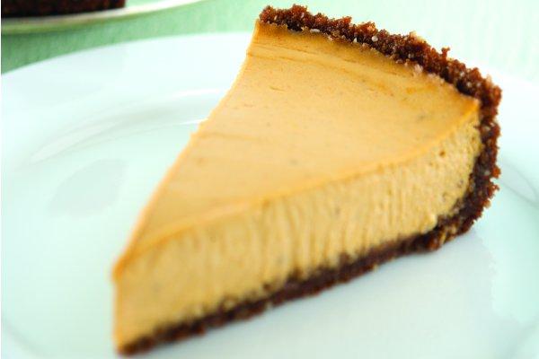 Pumpkin Cheesecake With a Gingersnap Crust [Vegan]