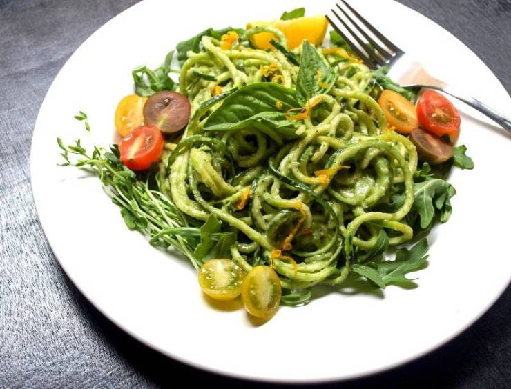 Raw zucchini pasta with creamy avocado cucumber sauce vegan one raw zucchini pasta with creamy avocado cucumber sauce vegan one green planet forumfinder Images