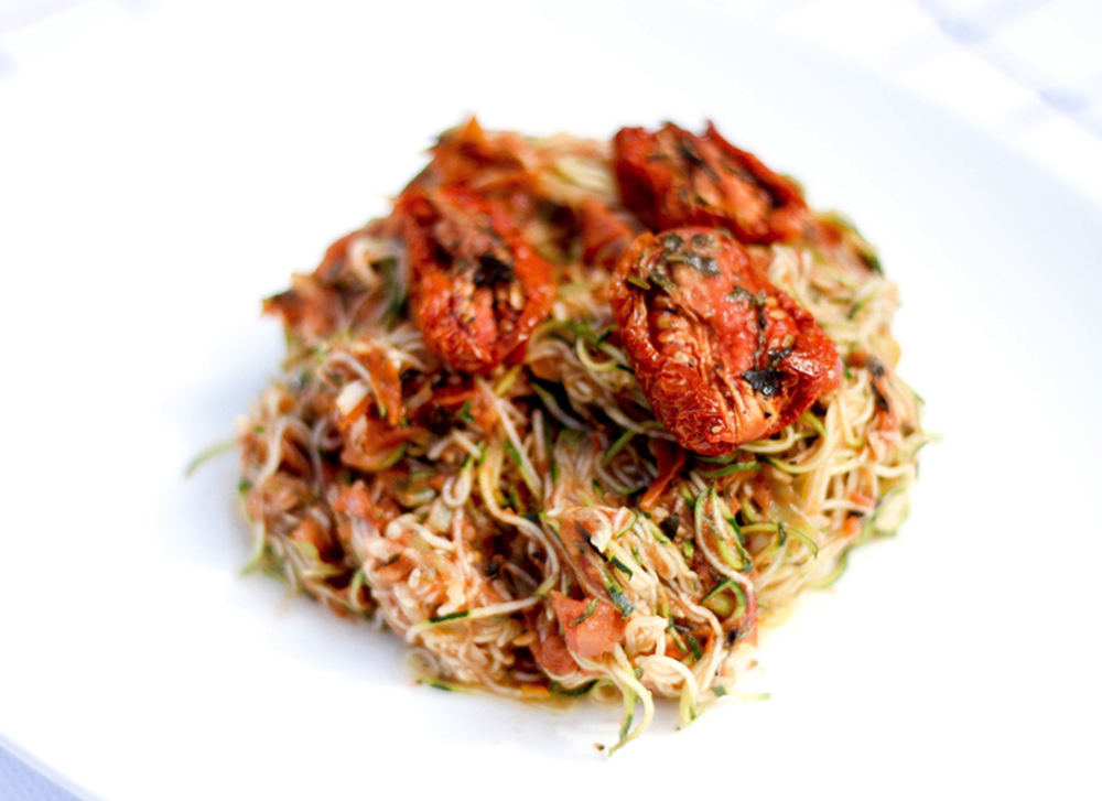 Raw zucchini marinara pasta vegan one green planet forumfinder Gallery