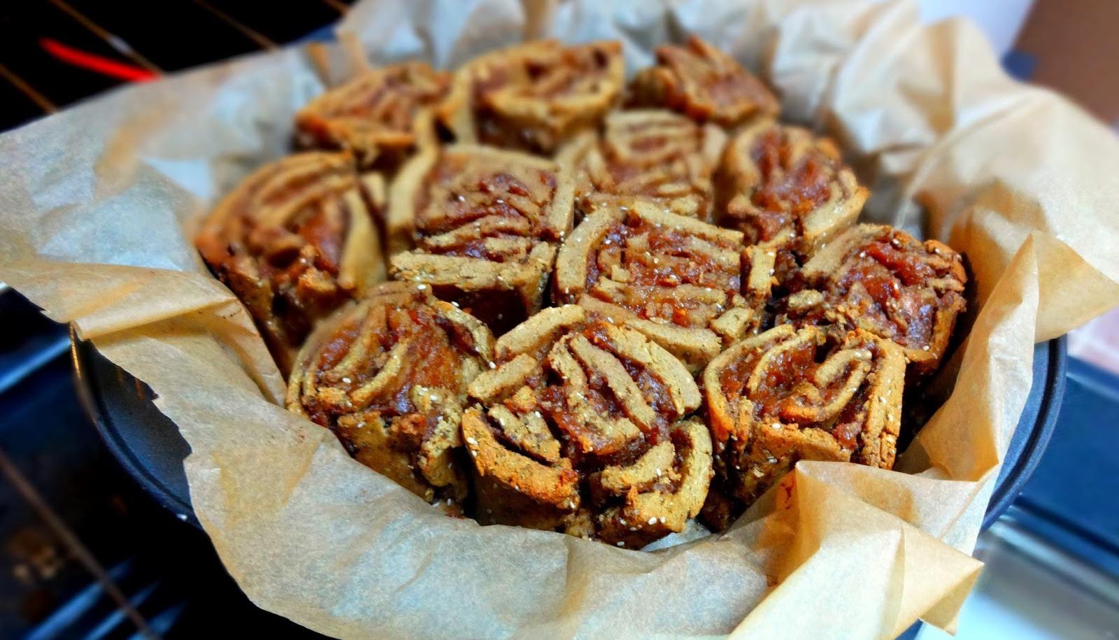 Superfood Cinnamon Rolls [Vegan]