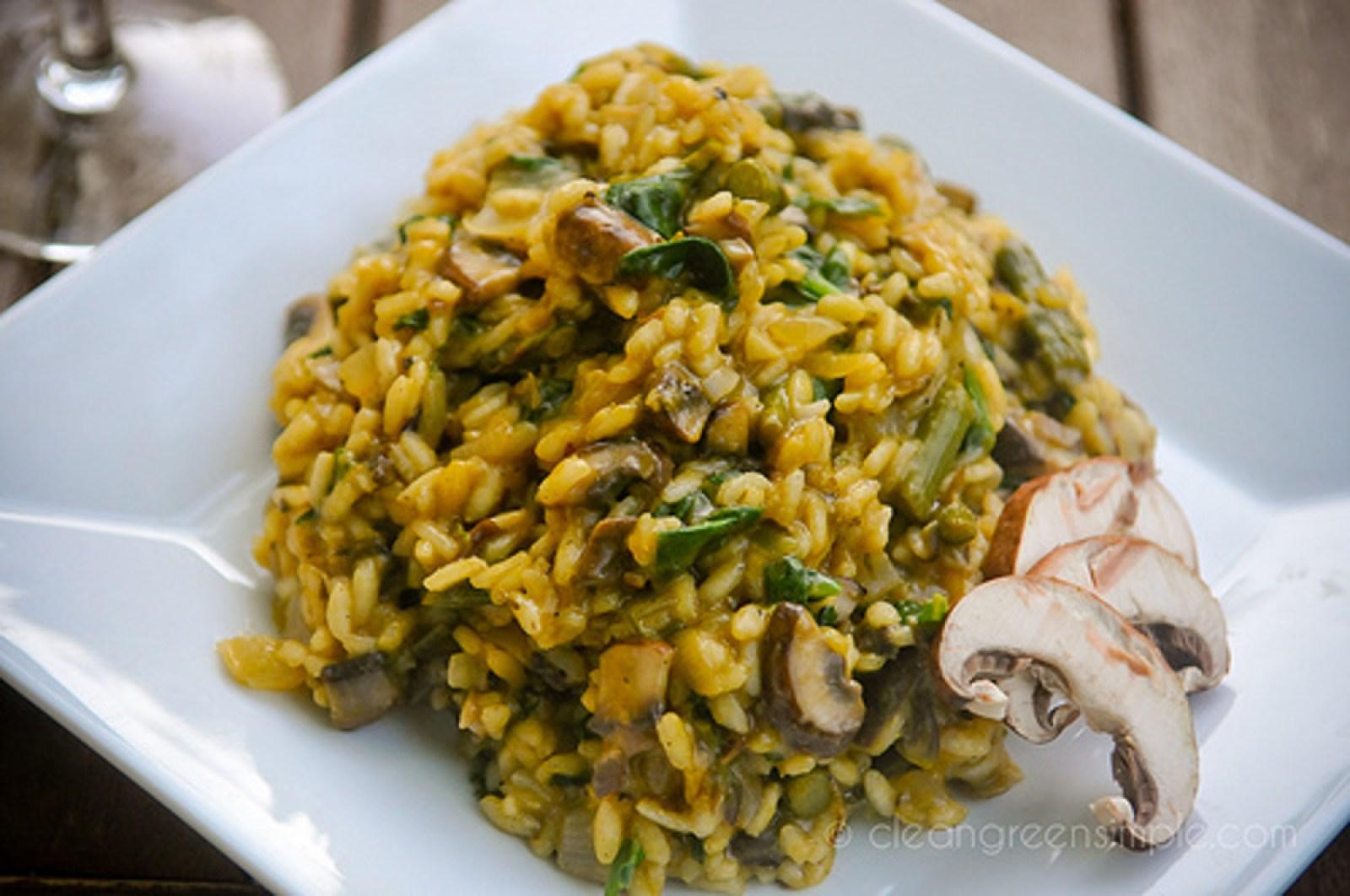 Mushroom and Asparagus Risotto [Vegan]