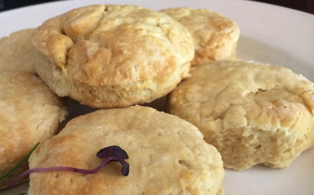 Rosemary 'Buttermilk' Biscuits [Vegan]