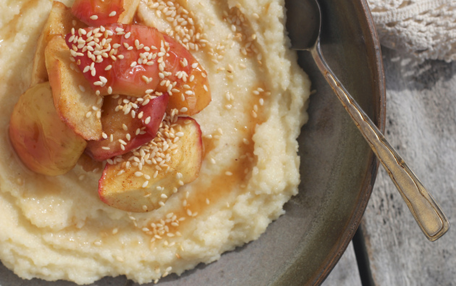 Semolina Porridge With Maple Baked Apples [Vegan]