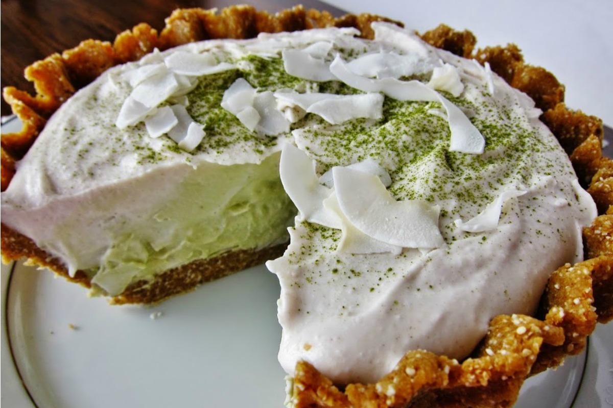 Raw Matcha Coconut Cream Pie