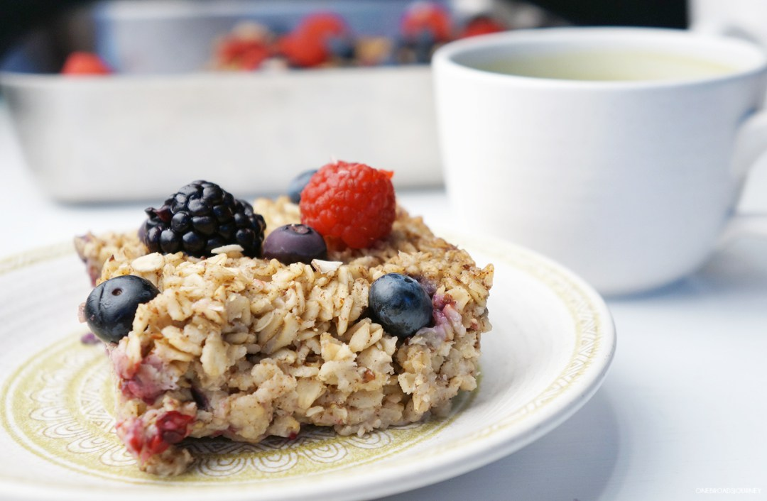 Berry Baked Oatmeal Bars
