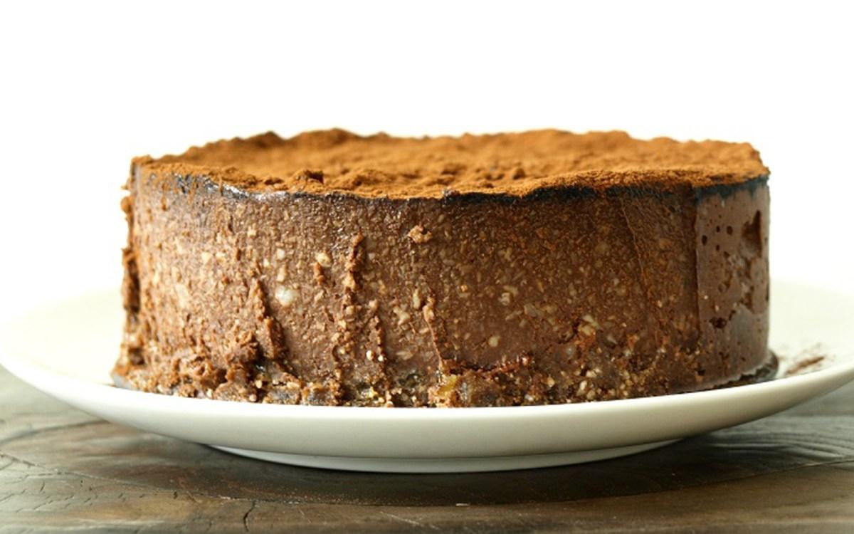 Raw Chocolate Macadamia Nut Cake [Vegan, Gluten-Free] | One Green ...