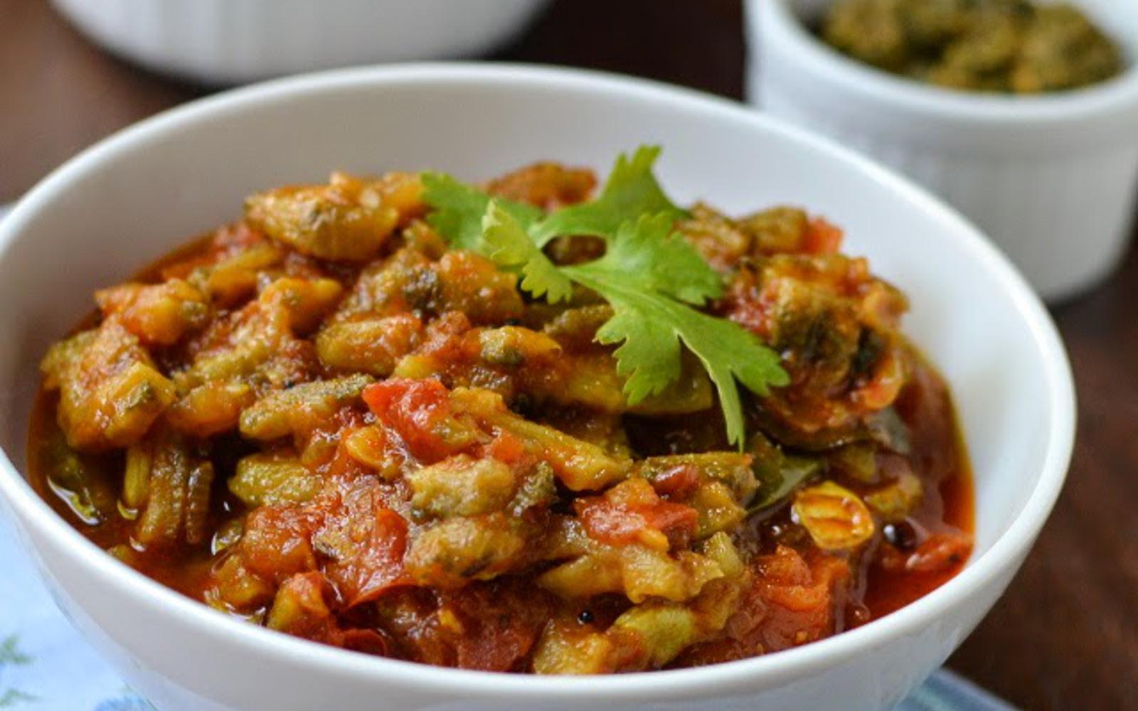 Kakarakaya Tomato Kura: Bitter Melon Tomato Curry