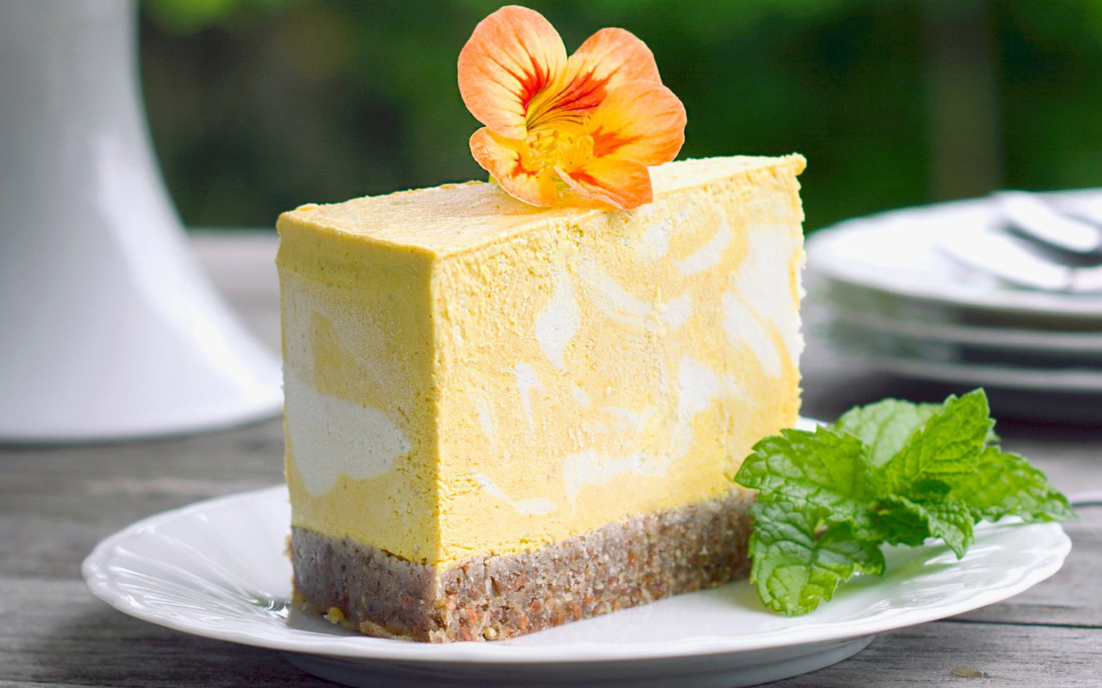 Vegan Raw Mango and Turmeric Cheesecake