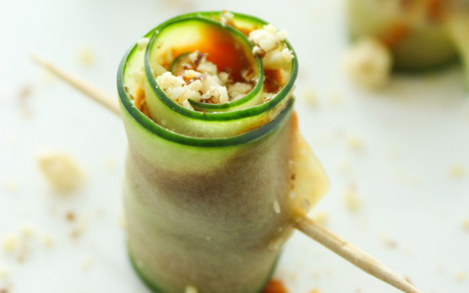 How to roll up cucumbers to be crispy: features, the best recipes and reviews