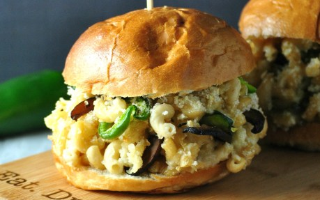Jalapeno Mac and Cheese Burger