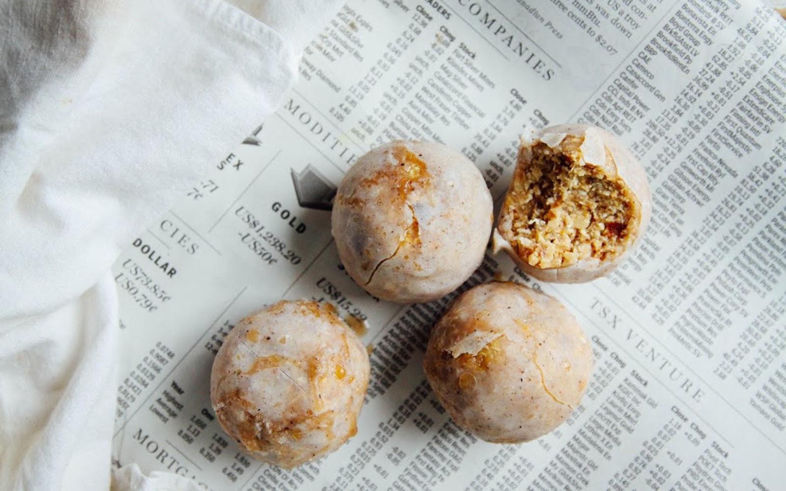 Raw Spiced Vanilla Caramel Doughnut Holes