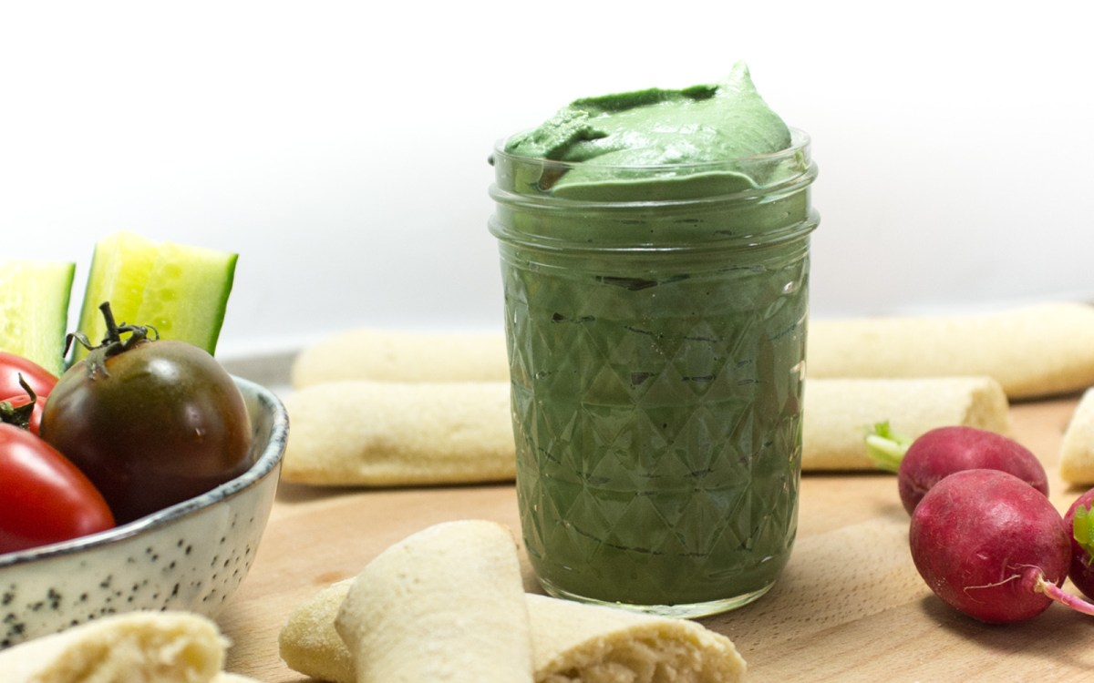 Vegan Spirulina Hummus
