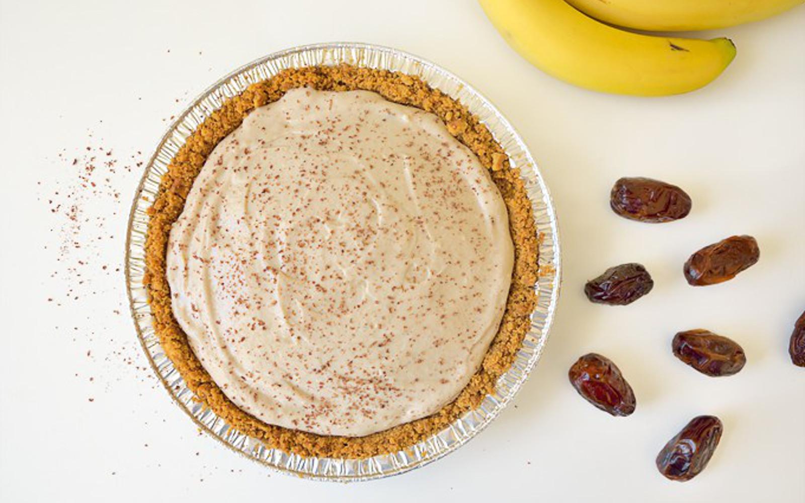 Date Caramel Banana Pie 1