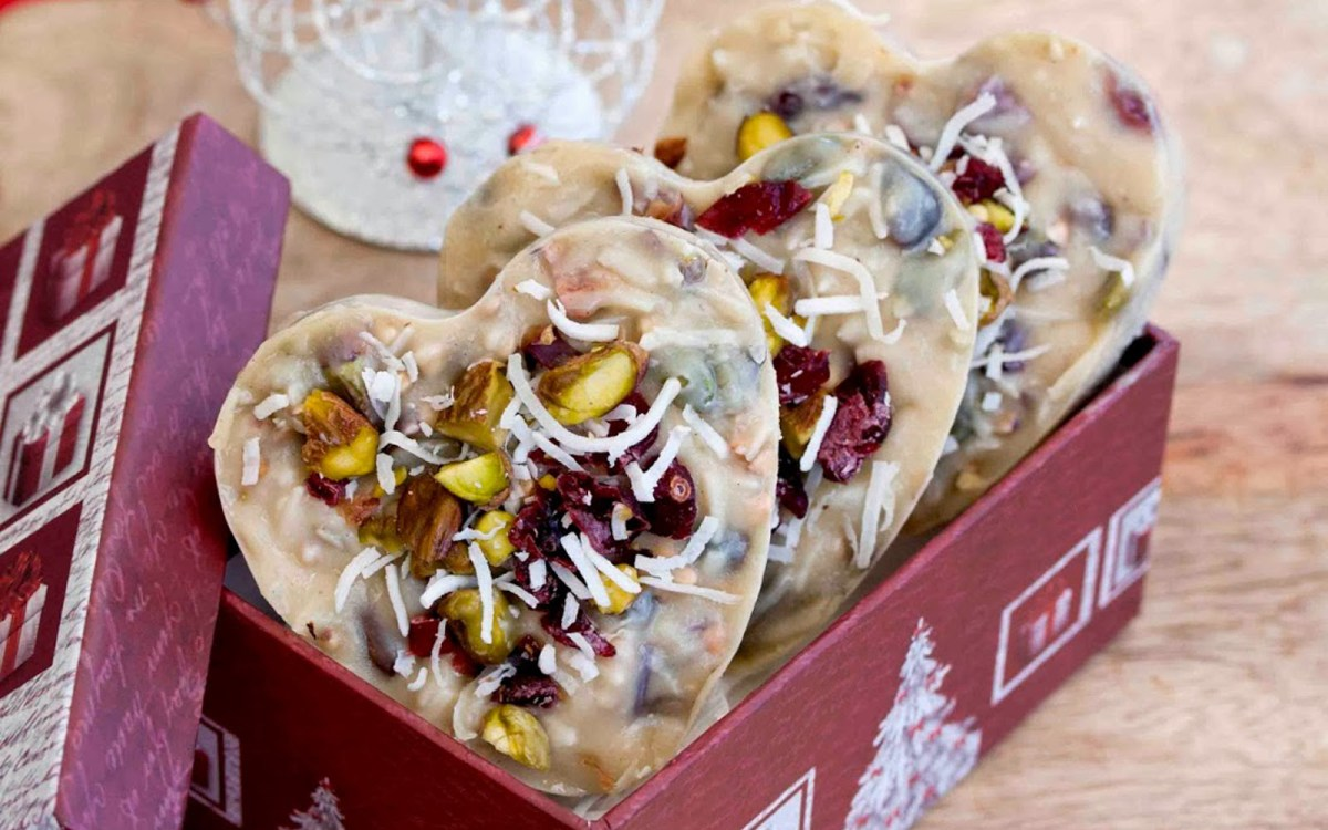 Vegan Cranberry and Pistachio White Chocolate Fudge