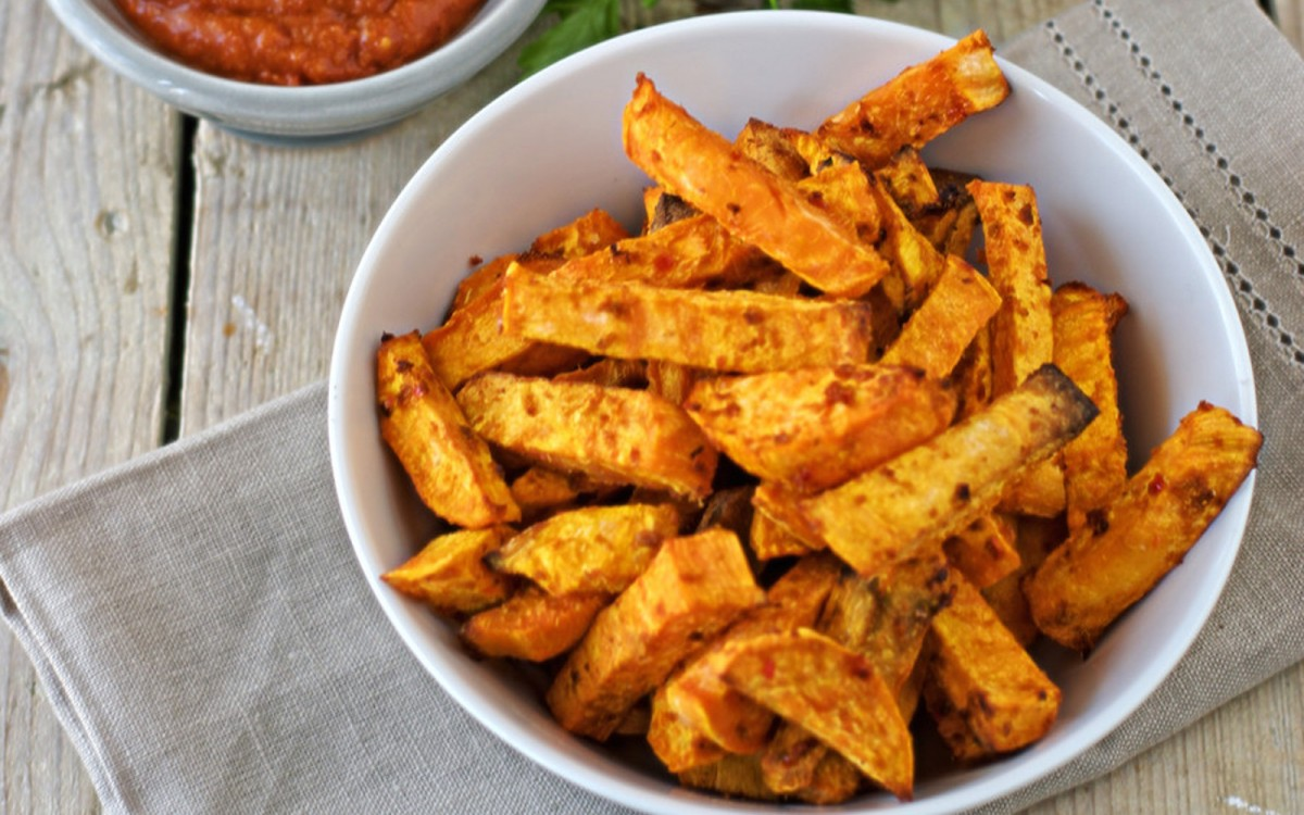 harissa-fries-with-bbq-sauce-11-1200x750