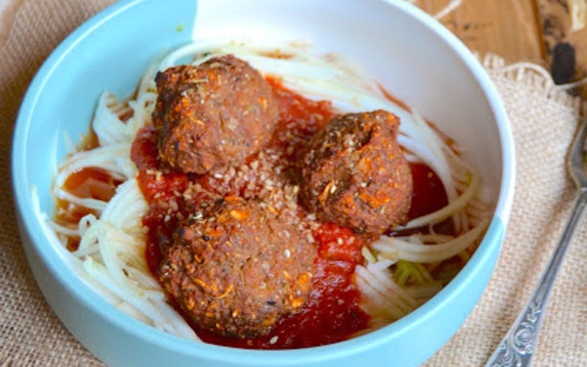 Eggplant 39 meatballs 39 with zucchini spaghetti vegan for Zucchini noodles and meatballs recipe