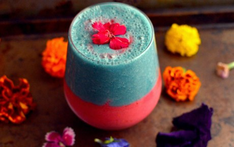 Raspberry and Blue Spirulina Smoothie
