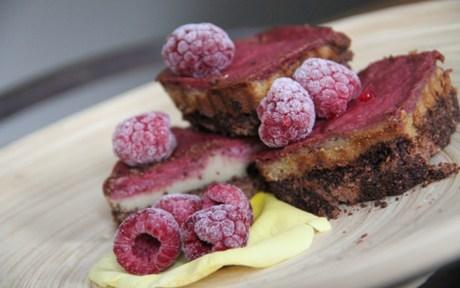 Vegan Raspberry Brownie Mini Cheesecake
