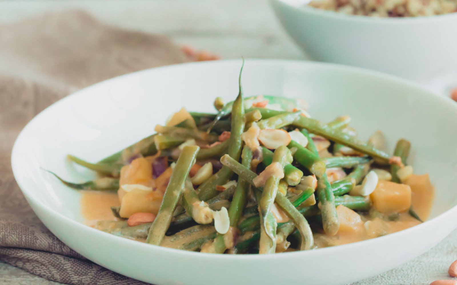Green Beans and Potatoes in Creamy Peanut Sauce b