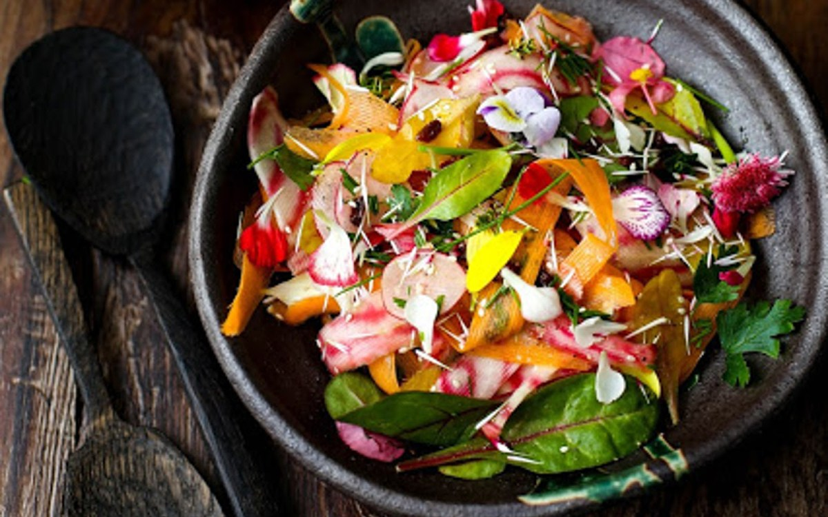 Vegan Spring Salad With Carrots, Beets, and Flowers