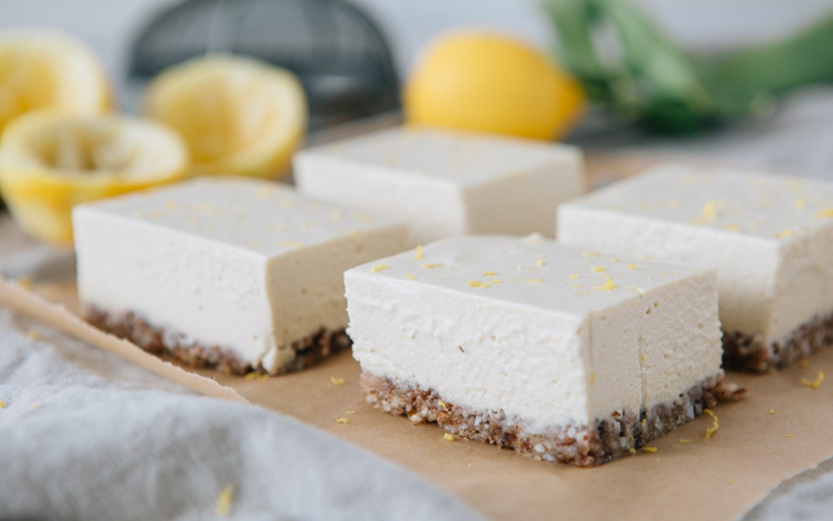 Vegan Raw Zesty Lemon Slice