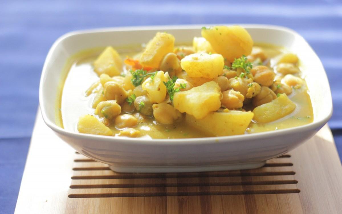 Trini Channa and Aloo: Trinidadian Chickpea and Potato Curry