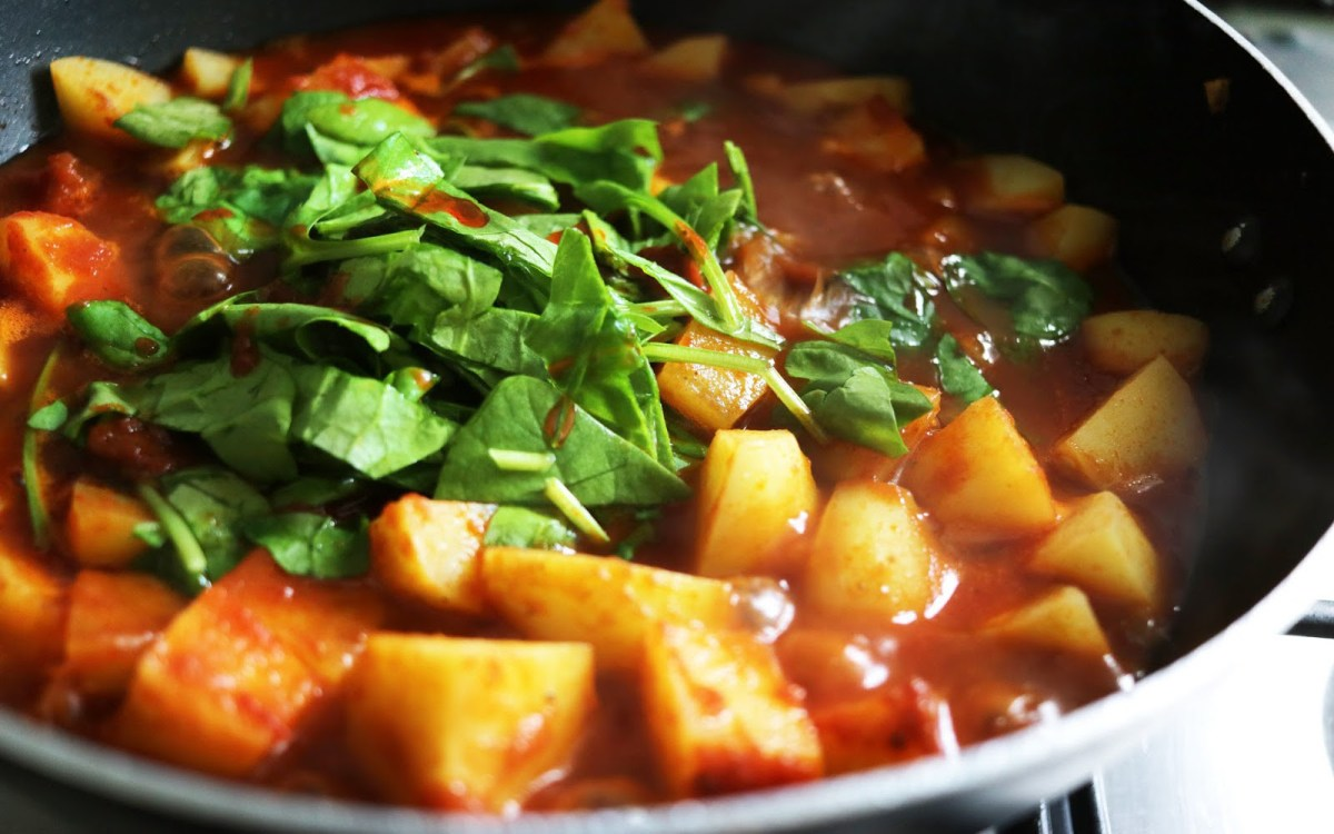 Quick and Easy Authentic Potato Curry