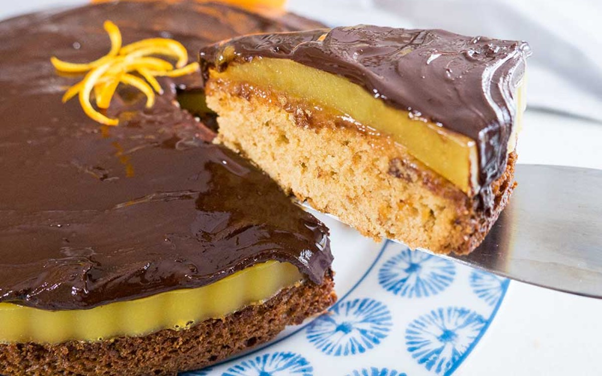 Vegan Jelly Cake Recipe: Giant Jaffa Cake: Biscuit Cake With Orange Jelly And