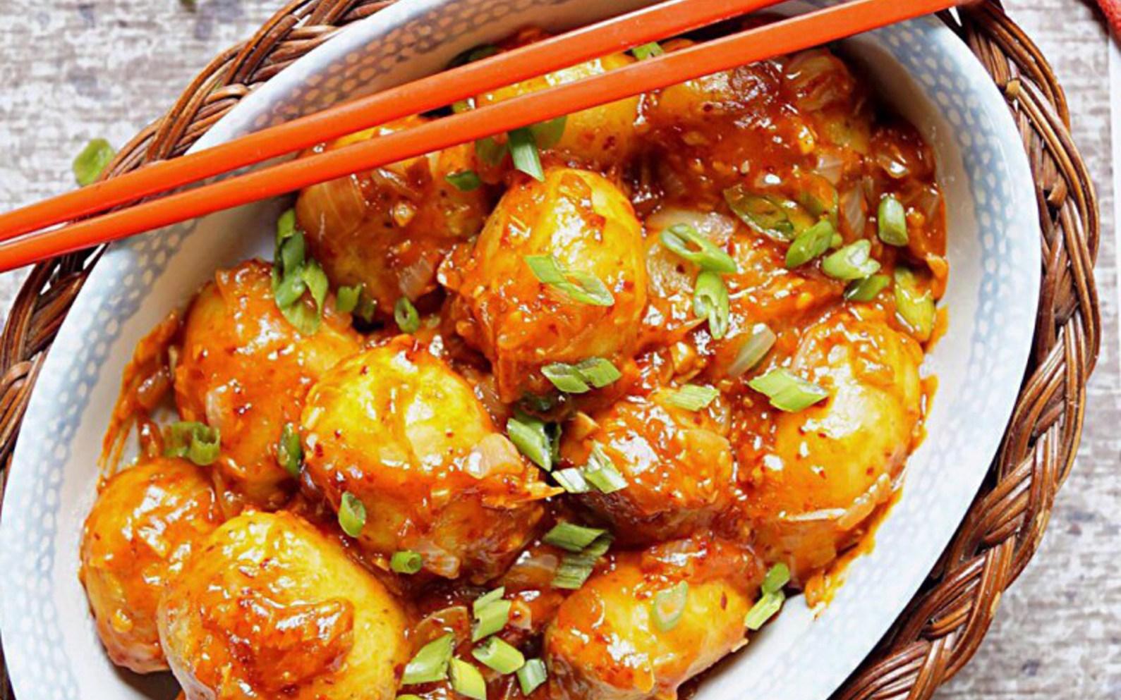 Schezwan baby potatoes vegan gluten free one green planet forumfinder Choice Image