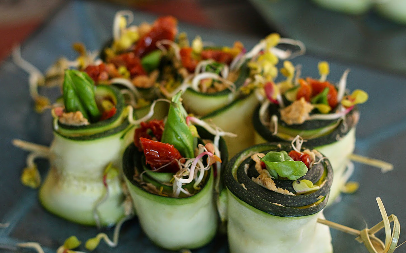 Raw zucchini rolls with sunflower seed pt and sun dried tomatoes raw zucchini rolls with sunflower seed pt and sun dried tomatoes vegan gluten free one green planet forumfinder Images