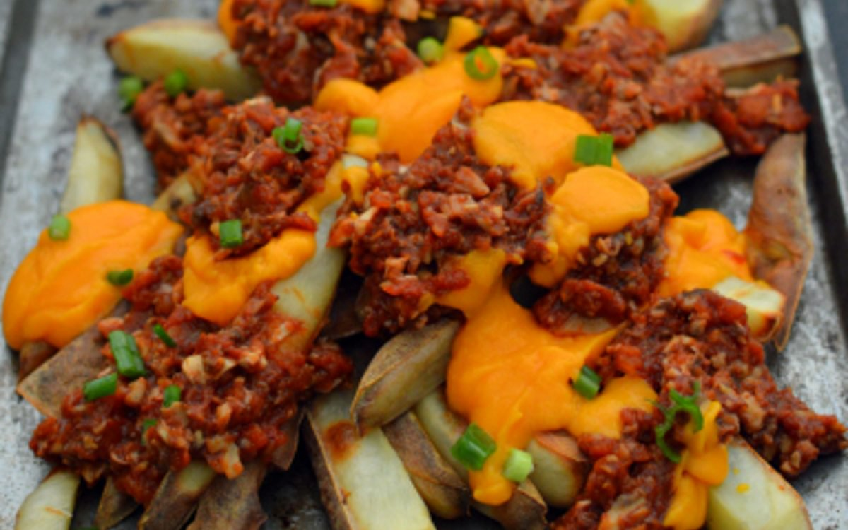 Vegan Chili Cheez Fries