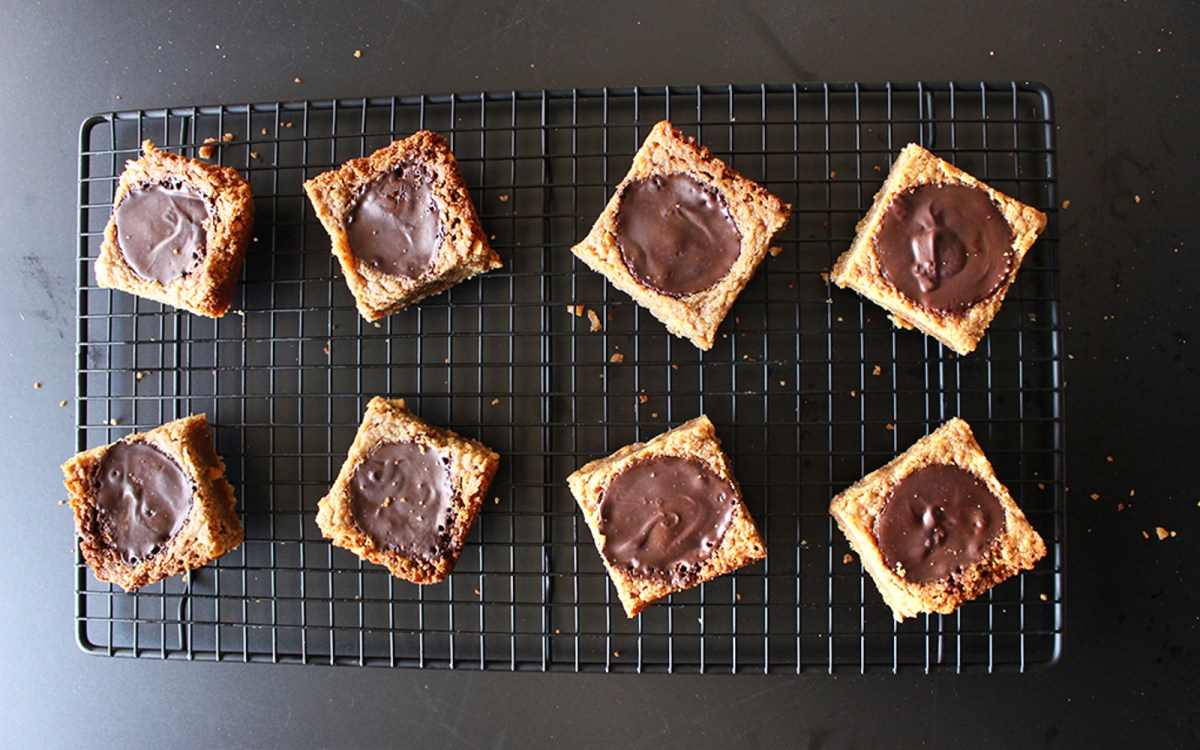 Vegan Peanut Butter Cup Blondies