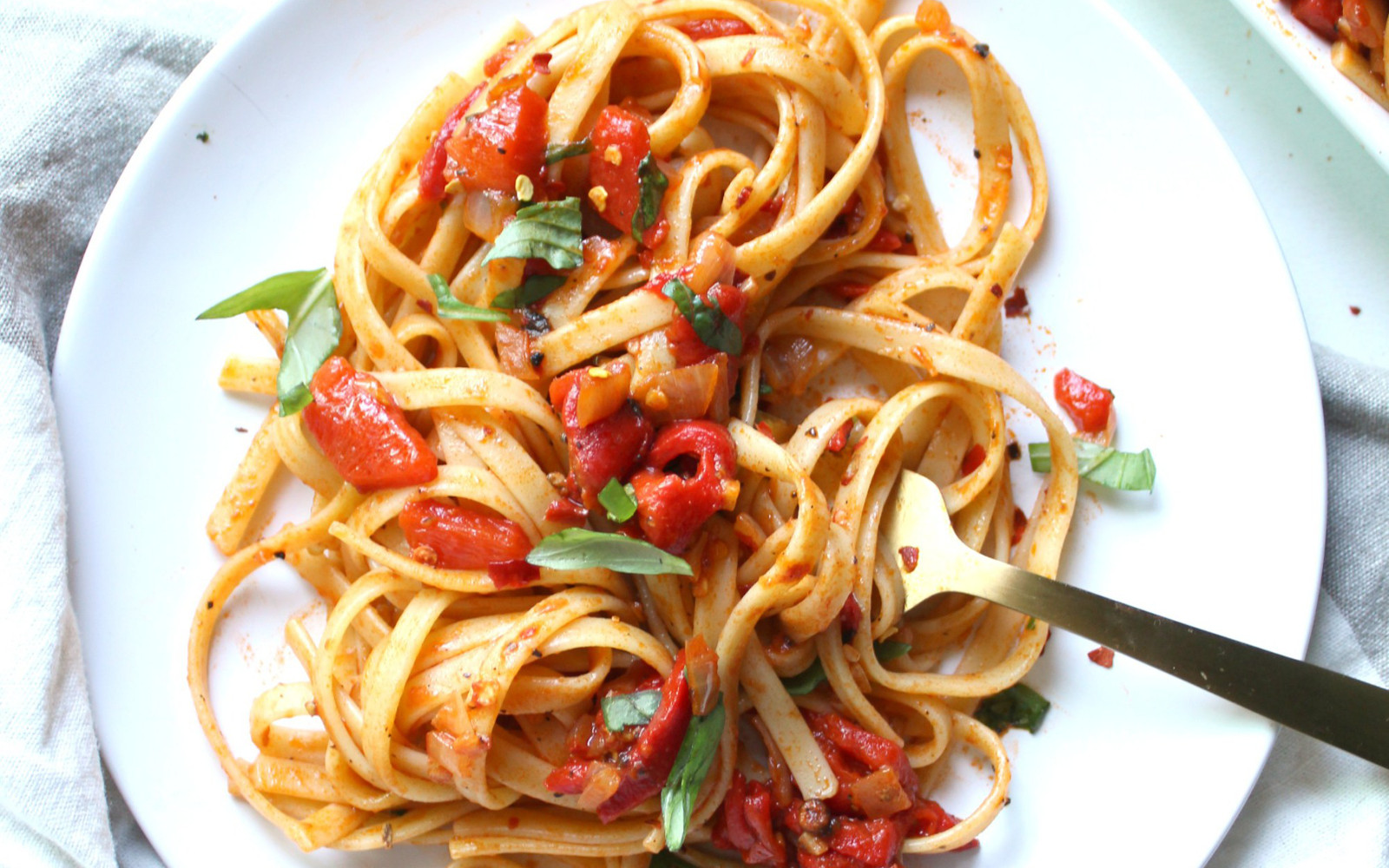 Vegan Spicy Roasted Red Pepper Fettuccine
