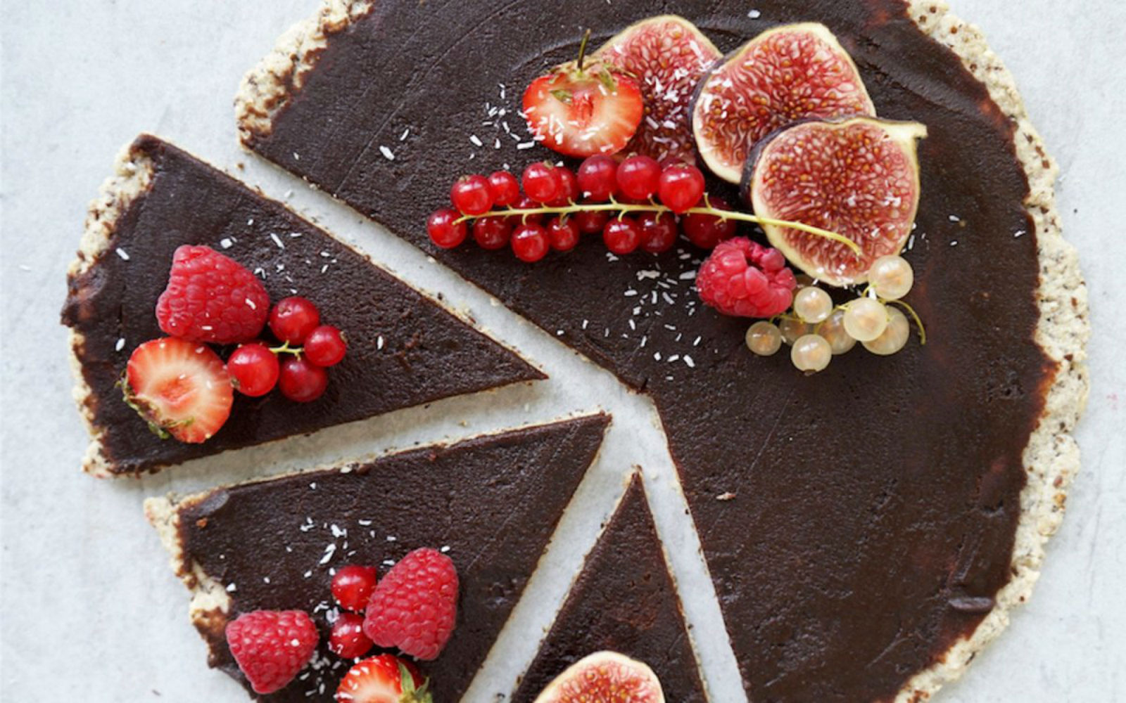 Skip Lunchables and Go Gourmet with These Grown-Up Twists on Vegan Dessert Pizza!