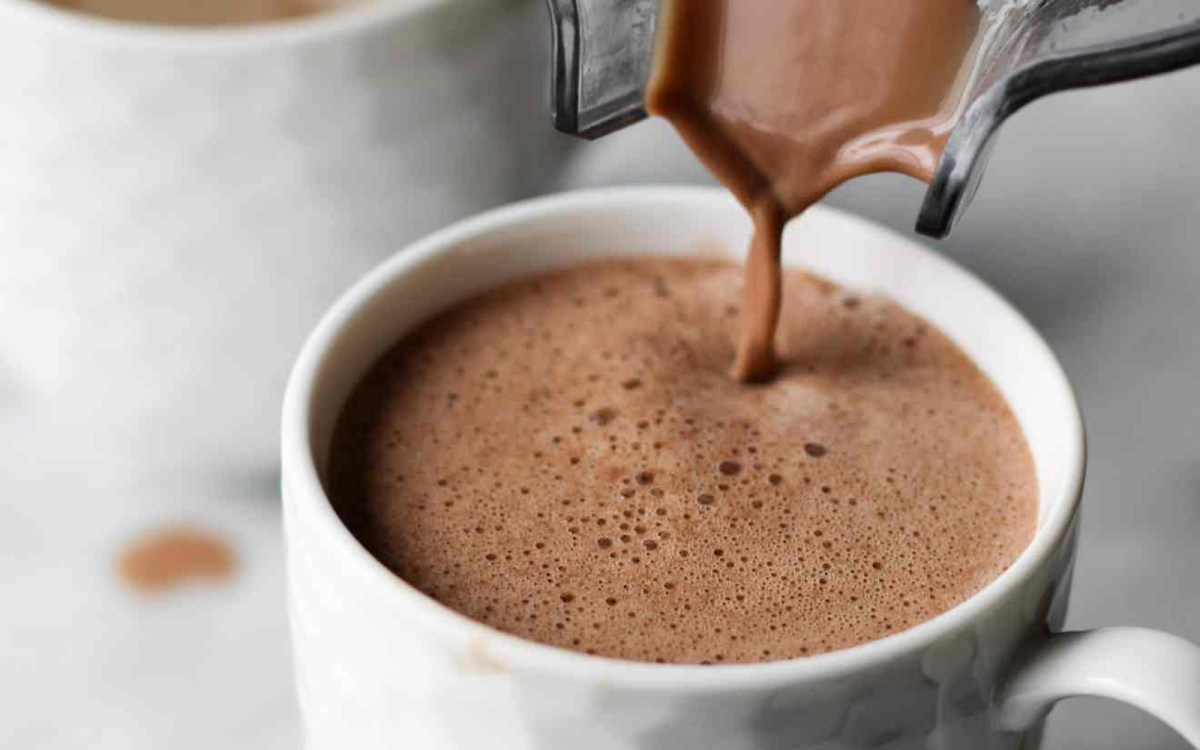 The Healthiest Peppermint Mocha