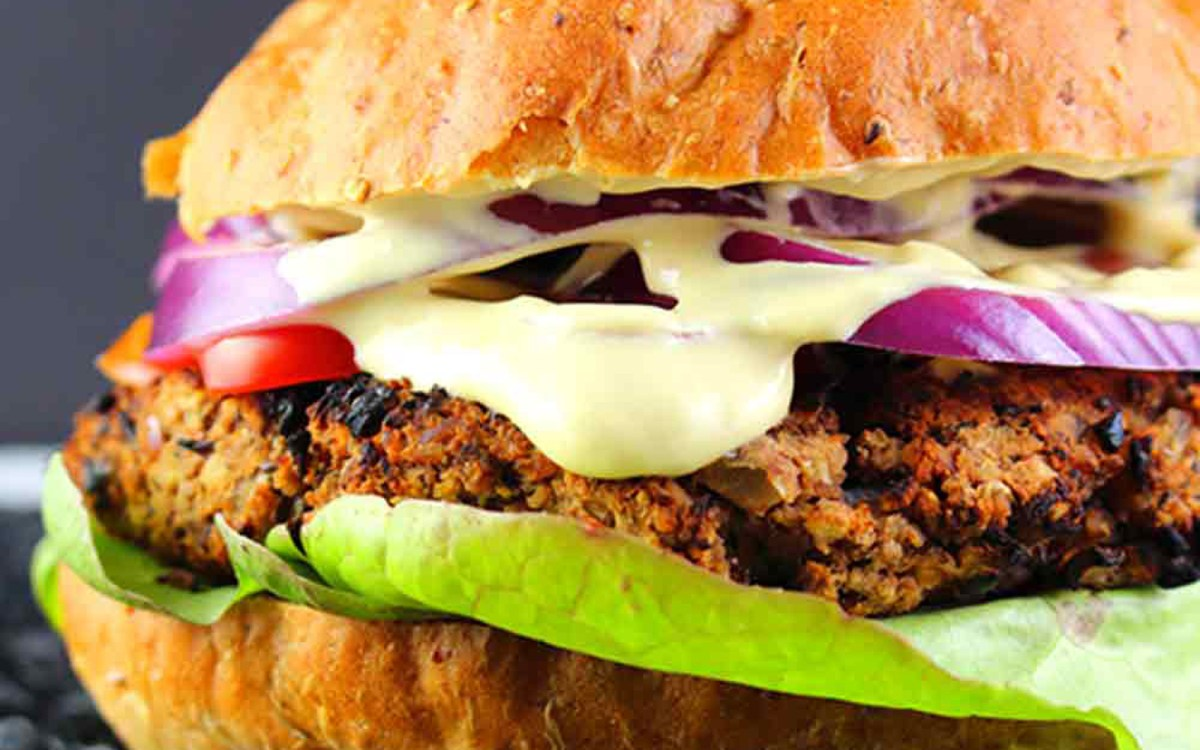 Red Bean and Mushroom Cheeseburger