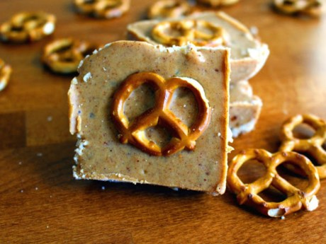 Bars made with peanut butter, tahini and pretzels