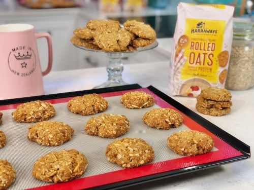 rolled oats, Anzac, biscuits, one handed baker, recipe