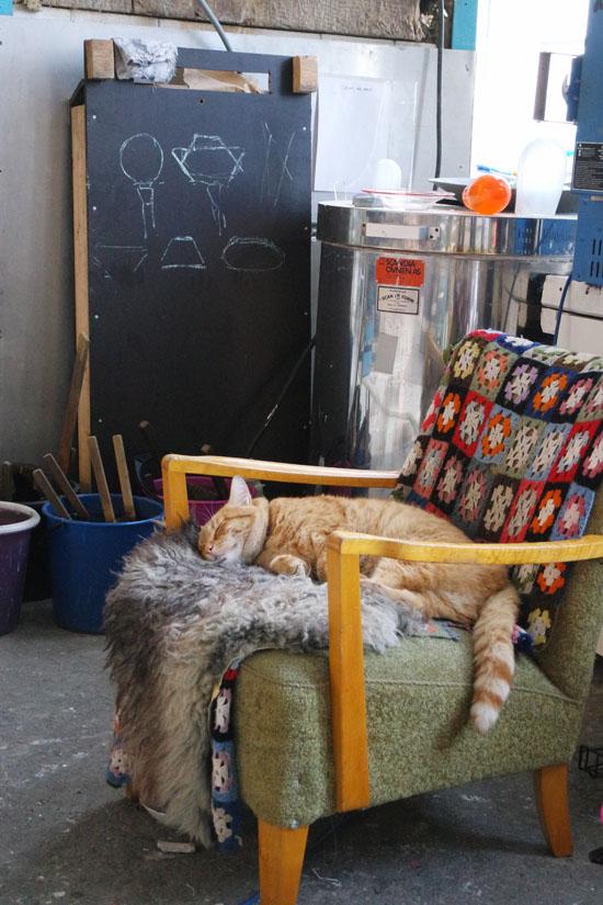glaskunst werkplaats Alesund kat