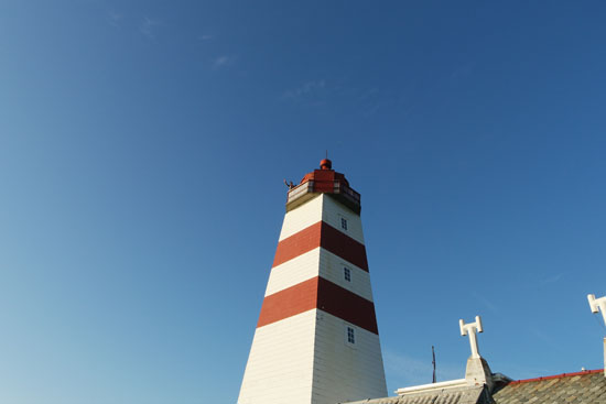 Alnes Lighthouse top