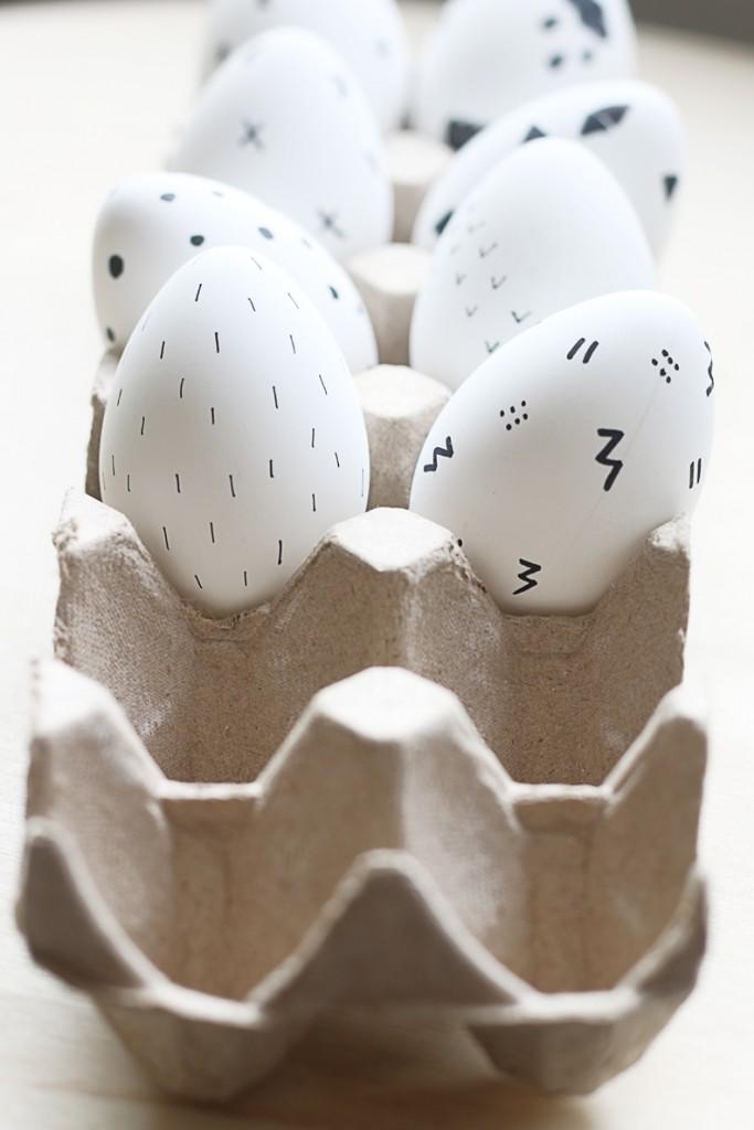 Black-and-White-Scandinavian-Inspired-Easter-Egg