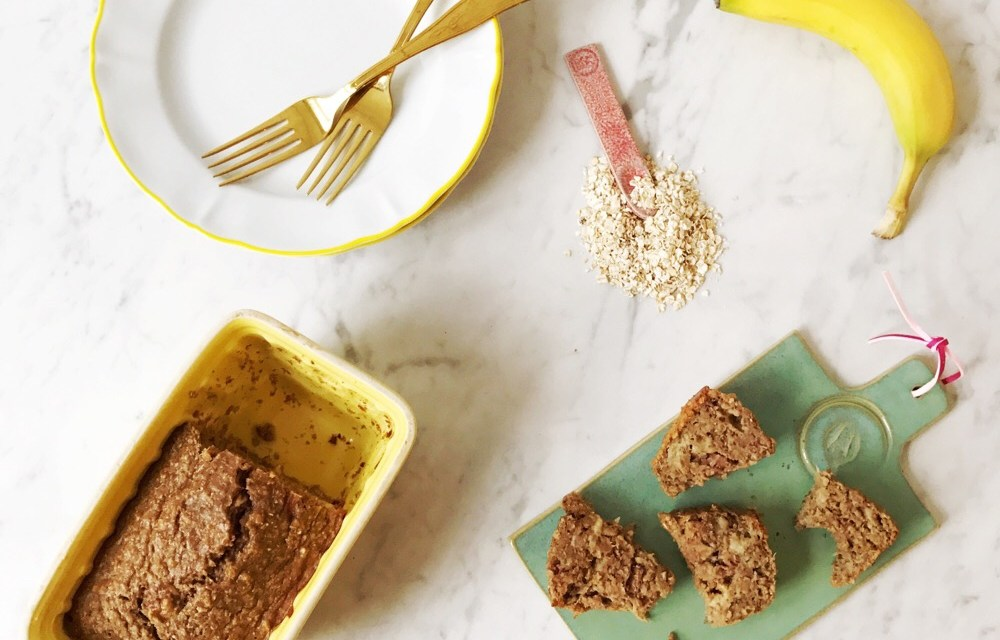 Easy: havermoutcake met yoghurt en fruit