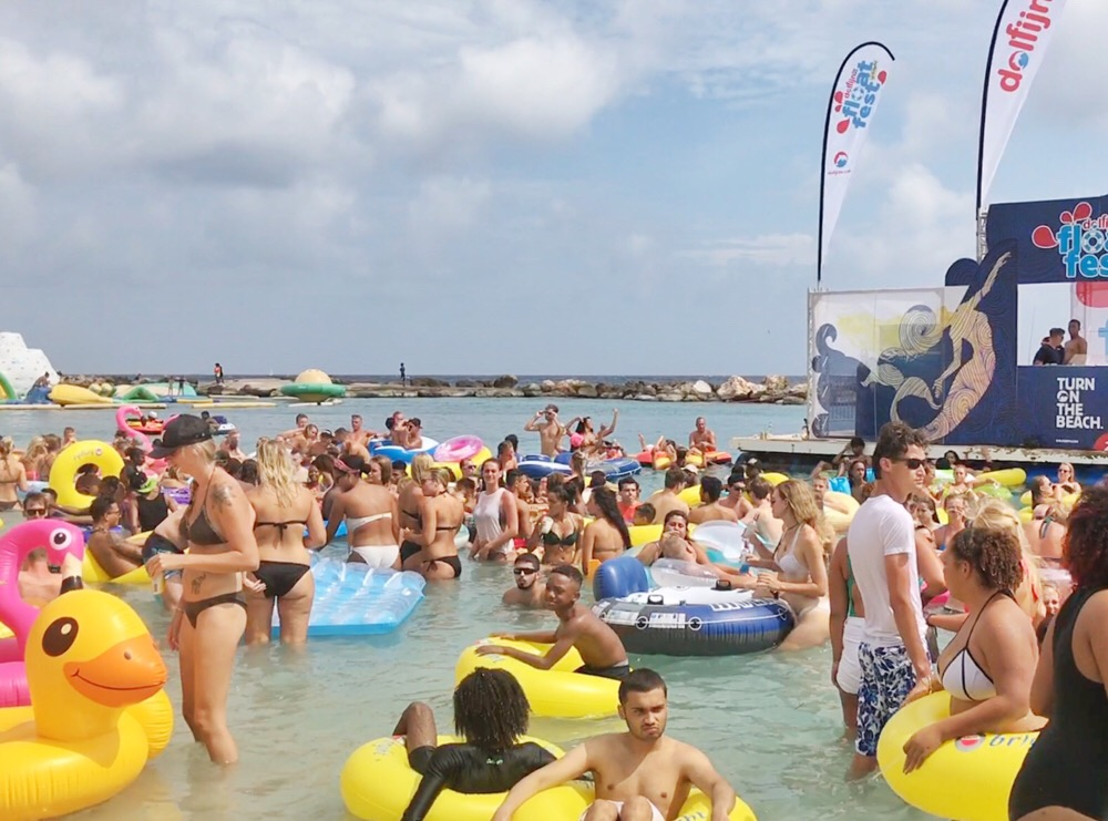 strandfeest Curacao
