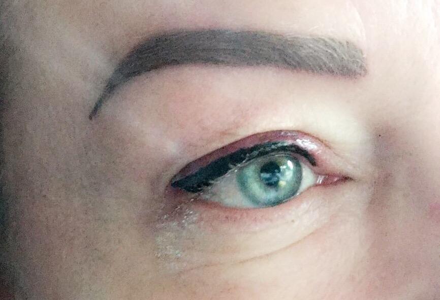 Hoe werkt permanente make-up? (wenkbrauwen + eyeliner)